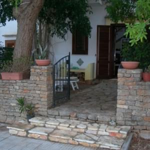 Self Catering Villa Laad
